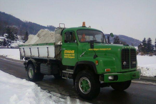 schneeabfuhrFCCEF161-660C-6F80-A119-47695109288B.jpg